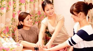 女性の自立を支援する就職・開業支援